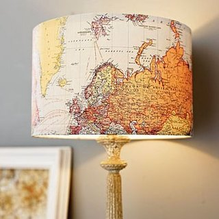 Lampa de camera cu abajur geografic