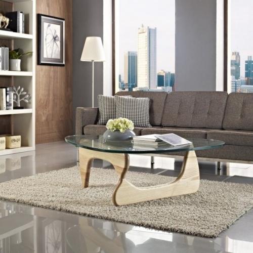 Camera de zi moderna cu covor pufos de culoare gri