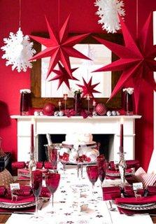 Decor traditional de Craciun cu alb si rosu