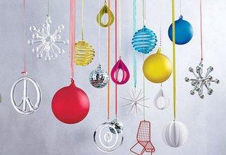 Globuri colorate, modele inedite pentru un Craciun luminos