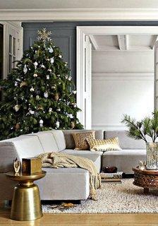 Nuante de gri pentru un living decorat de Craciun