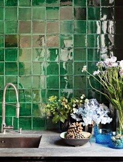 Bucatarie cu vitraliu verde