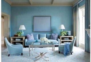 Canapea bleu in living zugravit cu bleu