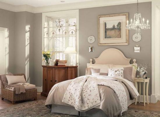 Dormitor gri cu crem
