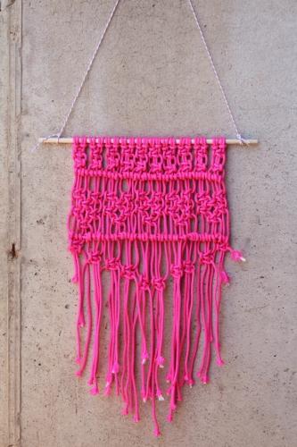 Accesoriu decorativ roz neon pentru perete