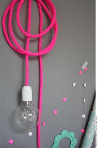 Cablu corp iluminat culoare roz
