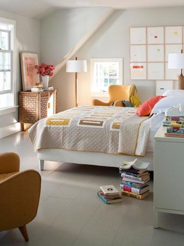 Dormitor cu parchet laminat alb