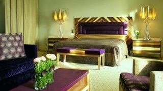 Dormitor mov cu verde
