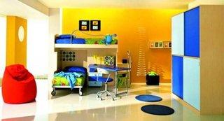 Dormitor pentru copii galben aprins si belu su albastru