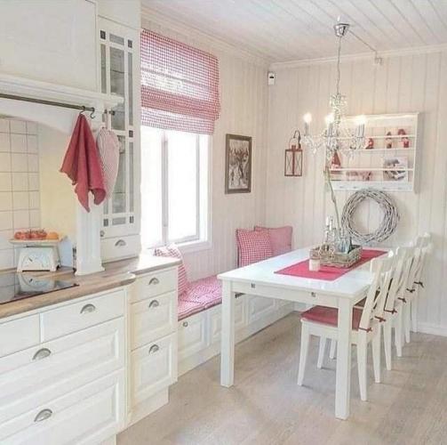 UITE cum adaugi o pata de culoare intr-o bucatarie cu mobila alba - transformari ieftine si rapide