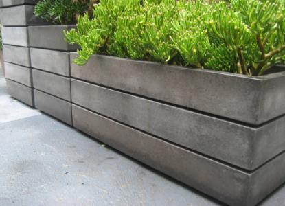 Jardiniere de exterior din ciment