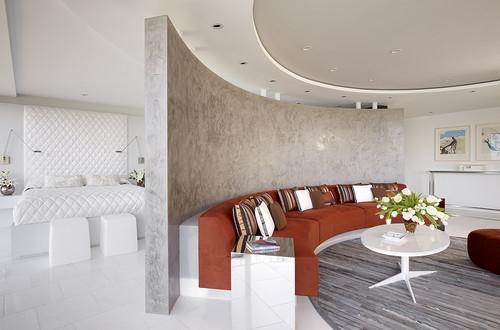 Apartament modern open space impartit pe zone prin perete semicircular