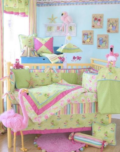 Camera viu colorata pentru o fetita