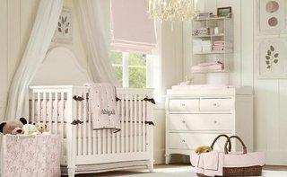Patut si piese de mobilier albe pentru camera de copil