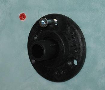 Introducere dibluri in suportul pentru sina pentru perdeaua de baie