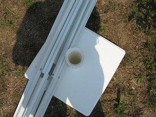 Umplerea suportului de sustinere a umbrelei de gradina cu ciment