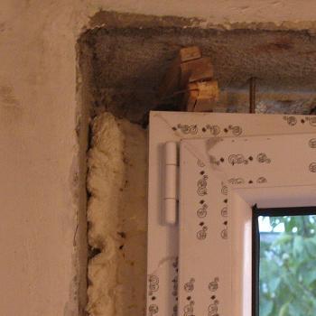 Fixarea si izolarea ramelor termopan cu spuma poliuretanica