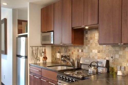 Dulapuri suspendate cu varianta de incastrare a cuptorului cu microunde