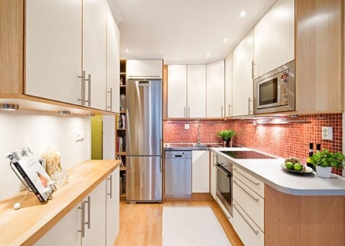 Idee pentru incastrarea cuptorului cu microunde in dulapul suspendat