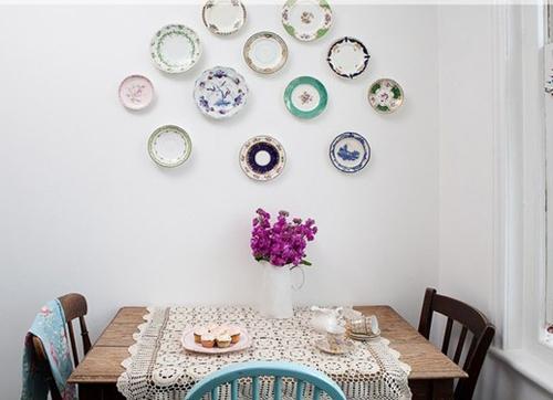 Loc pentru luat masa in stil rustic cu note romantice