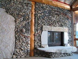 Decor unic perete cu pietre de rau