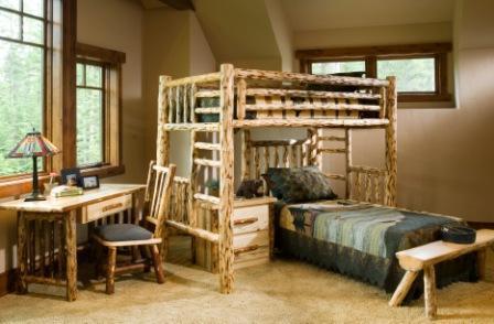 Camera de tineret cu mobila confectionata din busteni