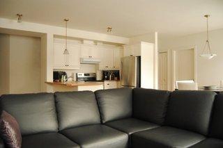 Living cu bucatarie alba open space