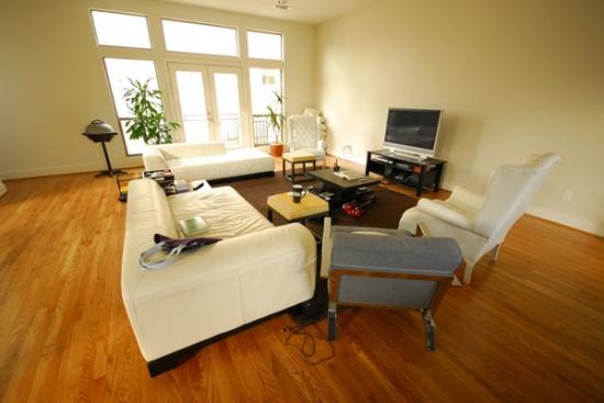 Senzatie de spatiu intr o sufragerie de dimensiuni reduse for Www design house com