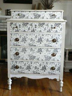 Redecorare mobilier cu autocolant