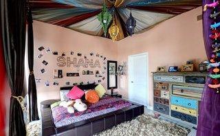 Dormitor pentru copii amenajat in stil boem