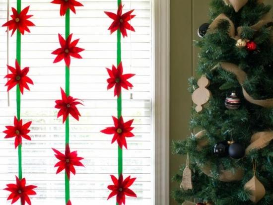 Ornamente pentru fereastra confectionate din materiale textile