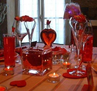 Decoratiuni din sticla transparenta pentru masa