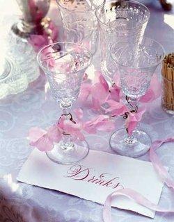 Pahare din cristal cu panglica roz cu flori