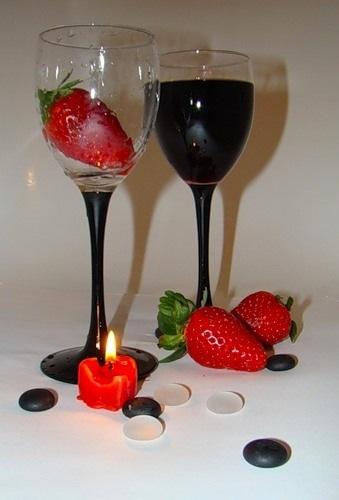 Varianta romantica pentru servirea vinului