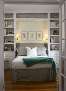 Dormitor cu mobilier minimalist