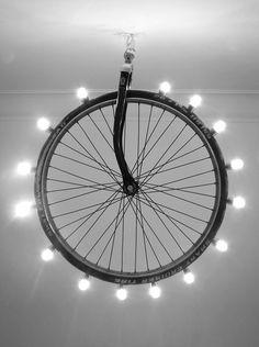 Corp de iluminat din roata de bicicleta