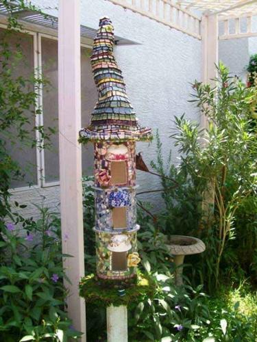 Casuta pentru pasari decoratiune interesanta pentru gradina