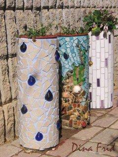 Ghivece de flori pentru terasa placate cu pietre si sticla mozaic modern