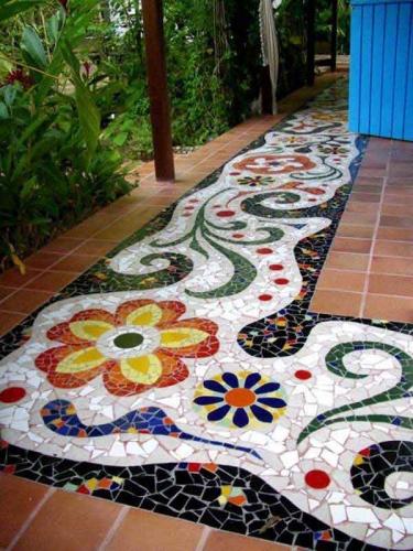 Superba alee din mozaic pentru terasa