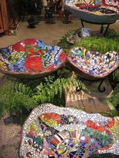 Vase decorative pentru exterior din ciment si mozaic