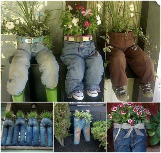 Idei de reciclare in gradina blugi vechi cu flori