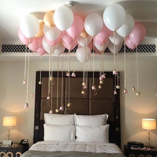 Baloane colorate decor romantic dormitor