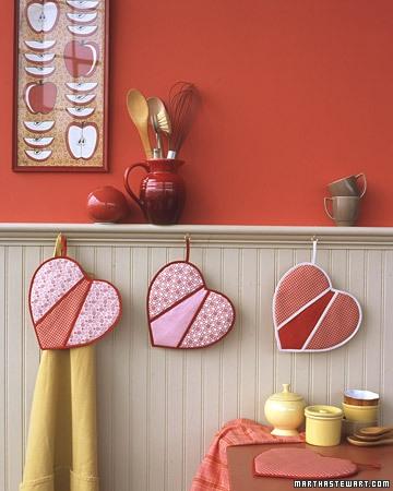 Pernute in forma de inima pentru decorarea bucatariei de ziua indragostitilor