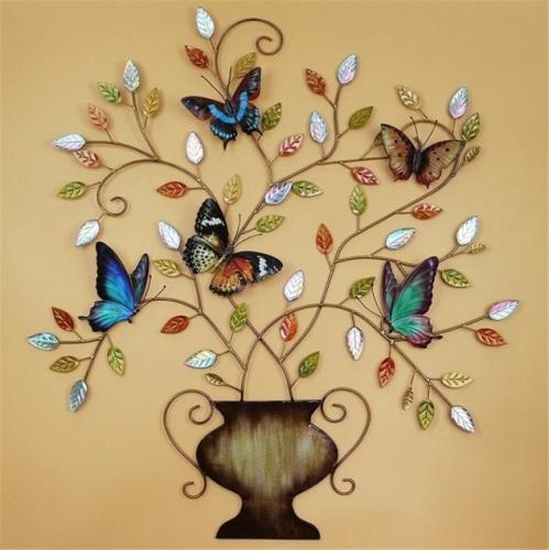 Decoratiune colorata din fier forjat