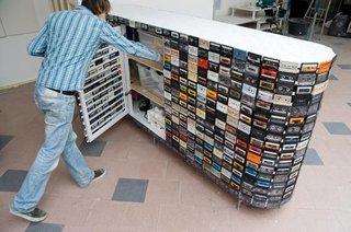 Dulap confectionat din casete audio si video