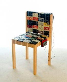 Scaun tapitat cu casete audio