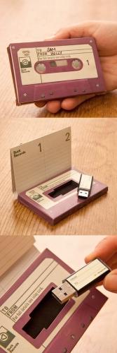 Suport pentru foi si stick USB