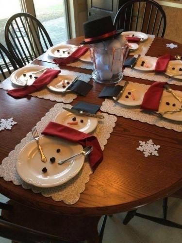 Decoratiuni cu oameni de zapada pentru masa
