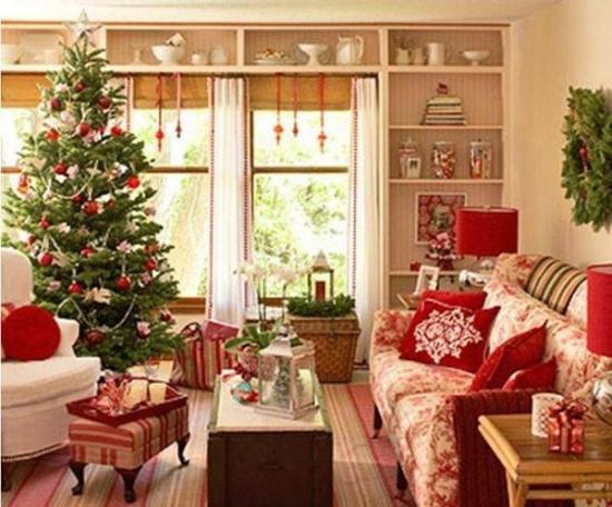 Living impodobit si decorat pentru sarbatori de iarna