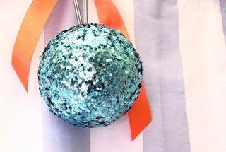 Glob de Craciun handmade cu sclipici